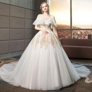 Mode Ivory / Creme Brautkleider / Hochzeitskleider 2019 Ballkleid Off Shoulder Spitze Blumen Kurze Ärmel Rückenfreies Kathedrale Schleppe