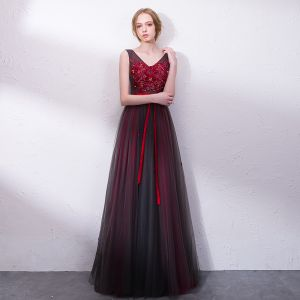 Chic / Beautiful Burgundy Prom Dresses 2018 A-Line / Princess Lace Appliques Bow Crystal V-Neck Backless Sleeveless Floor-Length / Long Formal Dresses