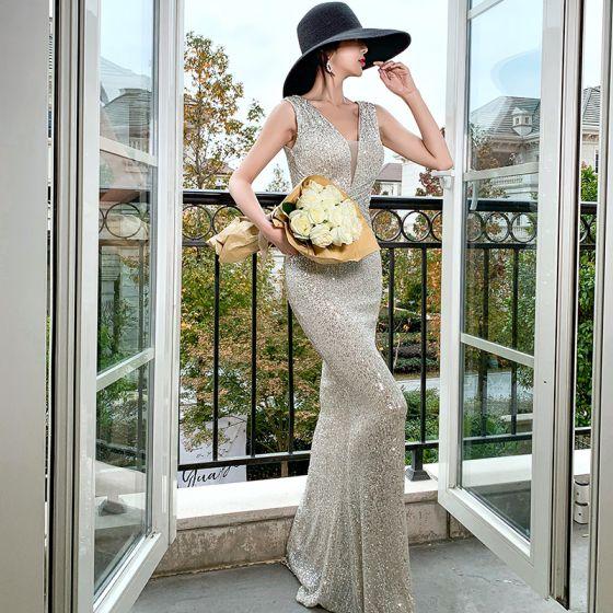 Sparkly Silver Sequins Evening Dresses  2020 Trumpet / Mermaid See-through Deep V-Neck Sleeveless Floor-Length / Long Backless Formal Dresses