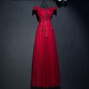 Hermoso Rojo Vestidos Formales 2017 De Encaje Flor Lentejuelas Perla Fuera Del Hombro Sin Mangas La altura del tobillo Empire Vestidos de noche