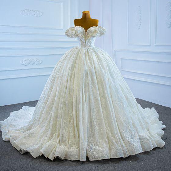 Luksusowe Kość Słoniowa ślubna Suknie Ślubne 2021 Suknia Balowa Przy Ramieniu Kótkie Rękawy Bez Pleców Frezowanie Perła Cekinami Tiulowe Trenem Kaplica Wzburzyć