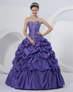 Ball Gown Charming Taffeta Sweetheart Beading Embroidery Prom Dresses