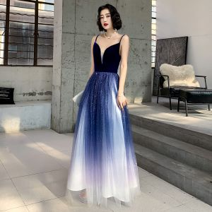 Sexy Royal Blue Gradient-Color White Suede Evening Dresses  2020 A-Line / Princess Deep V-Neck Spaghetti Straps Sleeveless Glitter Tulle Floor-Length / Long Ruffle Backless Formal Dresses