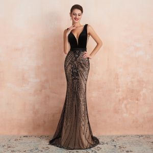 Sexy Black Champagne Evening Dresses  2020 Trumpet / Mermaid Deep V-Neck Sleeveless Sash Beading Sequins Sweep Train Ruffle Backless Formal Dresses