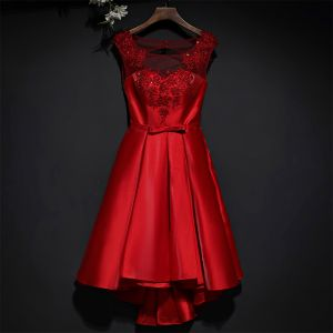 Schöne Rot Festliche Kleider Abendkleider 2017 Mit Spitze Blumen Schleife Rundhalsausschnitt Ärmellos Kurze A Linie