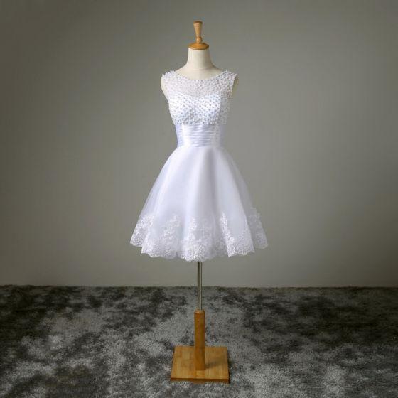 Chic / Beautiful White Graduation Dresses 2017 A-Line / Princess Homecoming U-Neck Lace Appliques Backless Beading Handmade  Formal Dresses