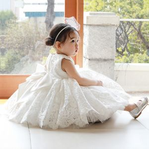 Elegant White Flower Lace Flower Girl Dresses 2020 Ball Gown Scoop Neck Sleeveless Bow Tea-length Wedding Party Dresses