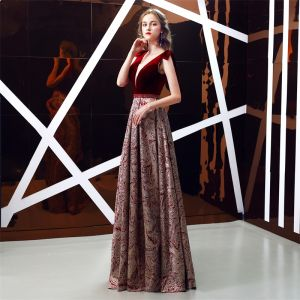 Chic / Beautiful Burgundy Jacquard Suede Evening Dresses  2019 A-Line / Princess Deep V-Neck Sleeveless Beading Sash Floor-Length / Long Ruffle Backless Formal Dresses