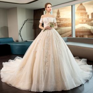 Elegant Ivory Wedding Dresses 2019 Ball Gown Appliques Lace Flower Off-The-Shoulder Short Sleeve Backless Royal Train