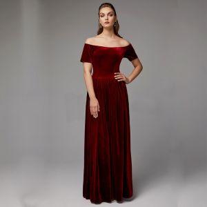 Sencillos Borgoña Vestidos de madrina 2020 Largos Manga Corta Sin Espalda Fuera Del Hombro Boda Noche A-Line / Princess Vestidos para bodas