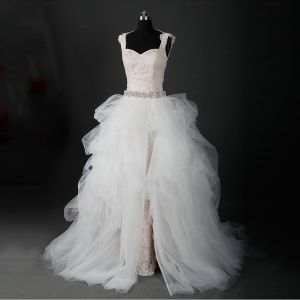 Stunning Champagne Wedding Dresses 2017 Ball Gown Outdoor / Garden Sleeveless Appliques Lace Tulle Beading Pearl Backless Court Train