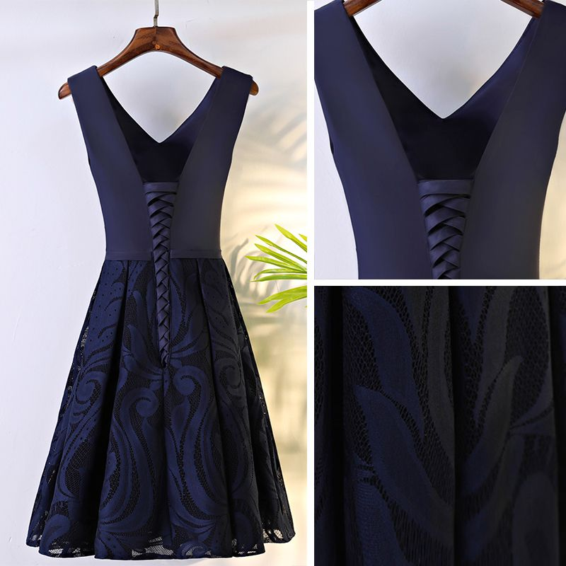 Chic / Beautiful Navy Blue Graduation Dresses 2017 A-Line / Princess Lace Flower Bow Backless V-Neck Sleeveless Short Formal Dresses