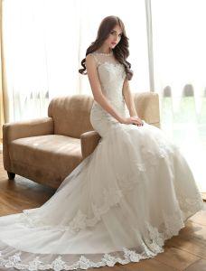 A-ligne Appliques Et Encolure De Perles De Strass En Dentelle Robe De Mariée