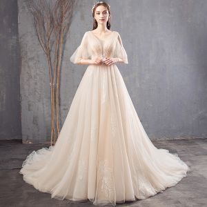 Eleganta Champagne Bröllopsklänningar 2019 Prinsessa V-Hals Beading Spets Blomma Korta ärm Halterneck Chapel Train