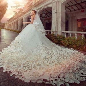 Satin brudklänning