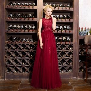 Chic / Beautiful Burgundy Evening Dresses  2018 A-Line / Princess Lace Beading Scoop Neck Sleeveless Floor-Length / Long Formal Dresses