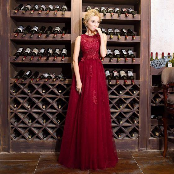Chic / Beautiful Burgundy Evening Dresses  2018 A-Line / Princess Lace Beading Scoop Neck Sleeveless Floor-Length / Long Formal Dresses