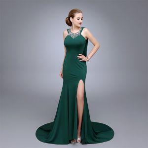 Edles Dunkelgrün Abendkleider 2020 Meerjungfrau Ärmellos Strass Pailletten V-Ausschnitt Gespaltete Front Sweep / Pinsel Zug Festliche Kleider