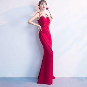 Unique Rot Abendkleider Lange 2018 Mermaid V-Ausschnitt Charmeuse Applikationen Rückenfreies Perlenstickerei Festliche Kleider