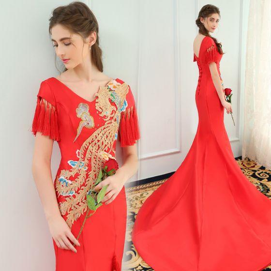 Chinesischer Stil Rot Abendkleider 2019 Meerjungfrau V-Ausschnitt Strass Applikationen Spitze Ärmel Quaste Rückenfreies Hof-Schleppe Festliche Kleider
