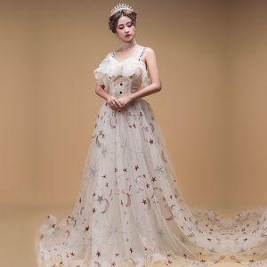 Chic / Belle Champagne Robe De Soirée 2019 Princesse épaules Sans Manches Étoile Appliques Paillettes Tribunal Train Volants Dos Nu Robe De Ceremonie