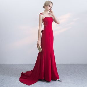 Chic / Beautiful Red Evening Dresses  2017 Trumpet / Mermaid Zipper Up Beading Bow Lace Flower Sequins Sleeveless Scoop Neck Court Train Evening Party
