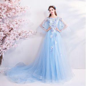 Elegantes Azul Cielo Vestidos de noche 2018 A-Line / Princess Escote Cuadrado 3/4 Ærmer Bordado Apliques Con Encaje Rhinestone Chapel Train Ruffle Sin Espalda Vestidos Formales