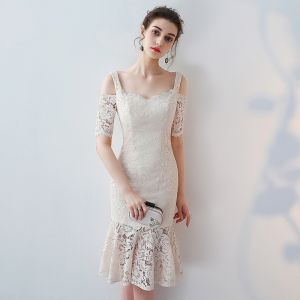 Chic / Beautiful 2017 White Graduation Dresses Appliques Pierced Lace Strapless Trumpet / Mermaid Homecoming Formal Dresses
