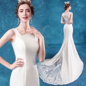 Affordable Ivory Wedding Dresses 2020 Trumpet / Mermaid Square Neckline Pierced Lace Flower Sleeveless Sweep Train