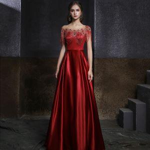 Wysokiej Klasy Burgund Przezroczyste Satyna Sukienki Wieczorowe 2020 Princessa Wycięciem Bez Rękawów Frezowanie Rhinestone Długie Wzburzyć Bez Pleców Sukienki Wizytowe
