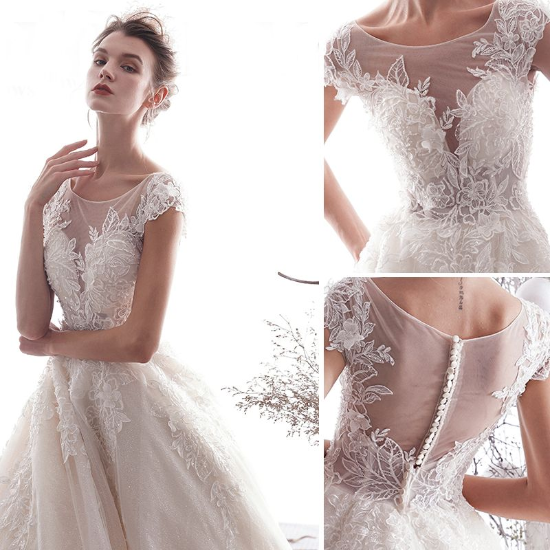 Chic / Beautiful Champagne Wedding Dresses 2019 A-Line / Princess Scoop Neck Beading Lace Flower Appliques Sleeveless Royal Train