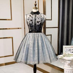 Mode Noire de retour Robe De Graduation 2020 Princesse Encolure Dégagée Paillettes En Dentelle Fleur Sans Manches Mi-Longues Robe De Ceremonie