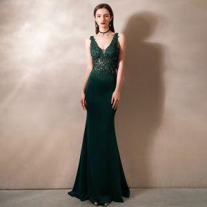 Illusion Dark Green Evening Dresses  2020 Trumpet / Mermaid Deep V-Neck Sleeveless Appliques Lace Beading Sweep Train Ruffle Backless Formal Dresses