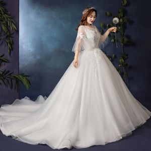Schlicht Weiß Übergröße Brautkleider / Hochzeitskleider 2019 Tülle Applikationen Rückenfreies Perlenstickerei Handgefertigt Kapelle-Schleppe