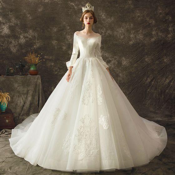 Vintage Elfenben Bröllopsklänningar 2019 Prinsessa Genomskinliga Urringning Långärmad Halterneck Appliqués Spets Chapel Train Ruffle