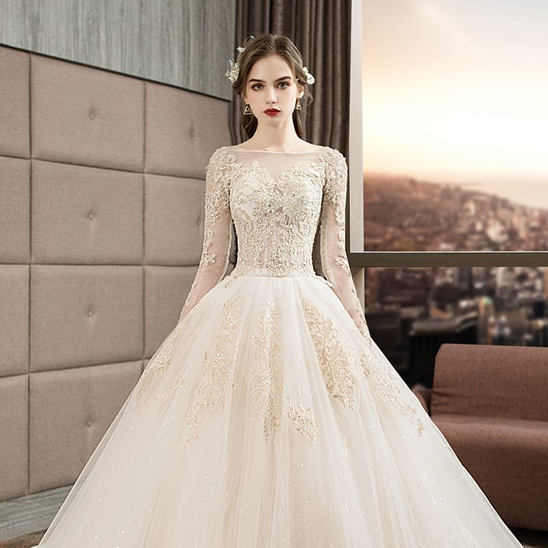 Audrey Hepburn Style Ivory Wedding Dresses 2019 Ball Gown Scoop Neck Beading Sequins Lace Flower Long Sleeve Backless Royal Train