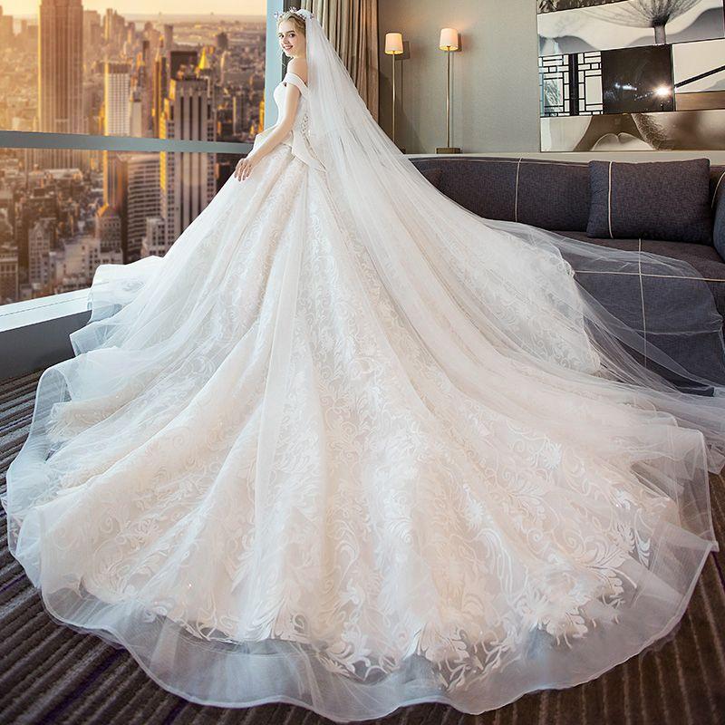 Elegante Ivory / Creme Brautkleider / Hochzeitskleider 2018 Ballkleid Perlenstickerei Schleife Spitze Off Shoulder Rückenfreies Ärmellos Königliche Schleppe Hochzeit