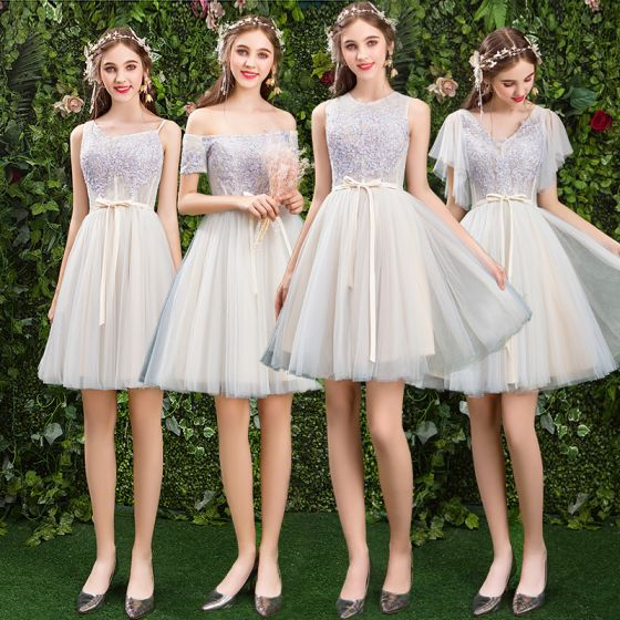 Modern / Fashion Champagne Bridesmaid Dresses 2019 A-Line / Princess Appliques Lace Sash Short Ruffle Backless Wedding Party Dresses