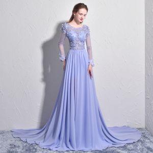 Eleganta Lavendel Aftonklänningar 2017 Prinsessa Urringning Långärmad Appliqués Blomma Pärla Chapel Train Halterneck Pierced Formella Klänningar