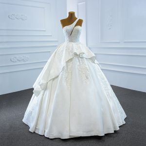 Luxury / Gorgeous White Satin Bridal Wedding Dresses 2020 Ball Gown One-Shoulder Sleeveless Backless Appliques Lace Handmade  Beading Floor-Length / Long Ruffle