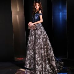 Modern / Fashion Navy Blue See-through Evening Dresses  2019 A-Line / Princess Scoop Neck Short Sleeve Embroidered Flower Sweep Train Ruffle Backless Formal Dresses