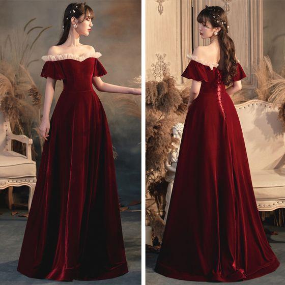Schlicht Rot Velour Abendkleider 2020 A Linie Off Shoulder Glockenhülsen Lange Rüschen Rückenfreies Festliche Kleider