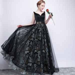 Chic / Beautiful Black Prom Dresses 2017 A-Line / Princess Metal Sash Embroidered V-Neck Backless Sleeveless Floor-Length / Long Formal Dresses