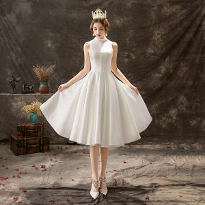 Modest / Simple Ivory Wedding Dresses 2019 A-Line / Princess High Neck Lace Flower Buttons Sleeveless Knee-Length