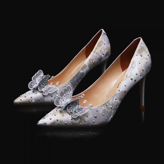 Charmant Argenté En Dentelle Papillon Chaussure De Mariée 2021 Cuir Faux Diamant 9 cm Talons Aiguilles À Bout Pointu Mariage Escarpins Talons Hauts