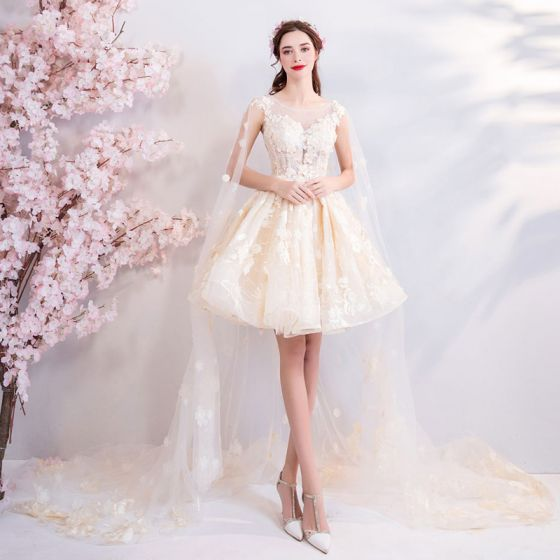 Modern / Fashion Champagne Wedding Dresses 2018 Ball Gown Lace Embroidered Appliques Pearl Scoop Neck Sleeveless Watteau Train Wedding