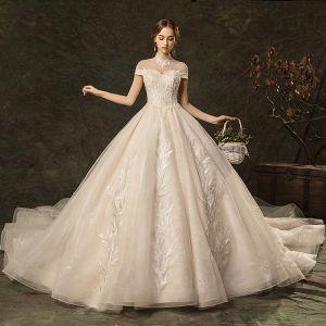 Elegante Champagner Brautkleider / Hochzeitskleider 2019 A Linie Stehkragen Perlenstickerei Spitze Blumen Ärmel Rückenfreies Kathedrale Schleppe