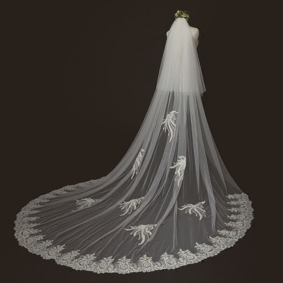 Classic Elegant Ivory Cathedral Train Lace Tulle Appliques 3 m Wedding Veils 2018