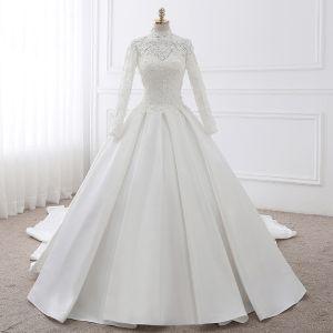 Vintage Weiß Ballkleid Brautkleider 2017 Applikationen Mit Spitze Rüschen Pailletten Rückenfreies Stehkragen Lange Ärmel