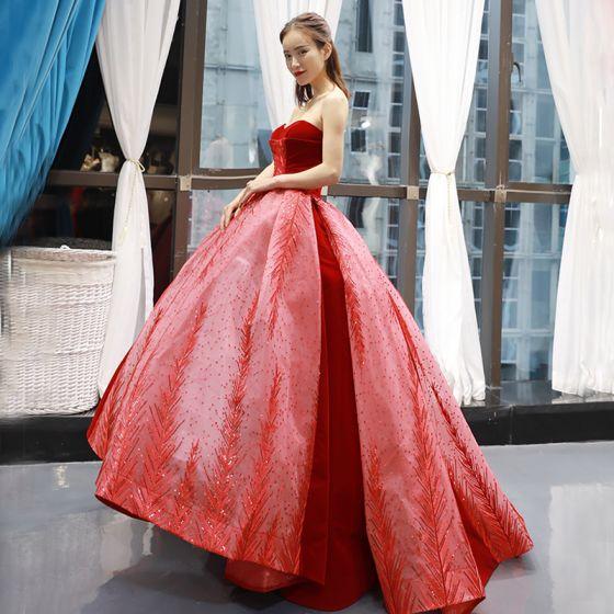 Wysokiej Klasy Czerwone Zamszowe Sukienki Na Bal 2020 Suknia Balowa Kochanie Bez Rękawów Frezowanie Aplikacje Cekiny Trenem Sweep Wzburzyć Bez Pleców Sukienki Wizytowe